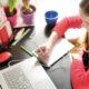 """Terug naar de """"School van Toen"""" of online leren een blijvende partner voor de toekomst?"""